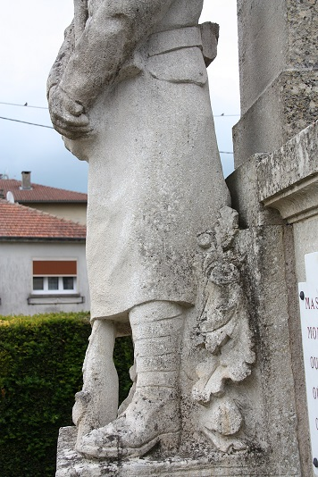 monument aux morts rarecourt detail4